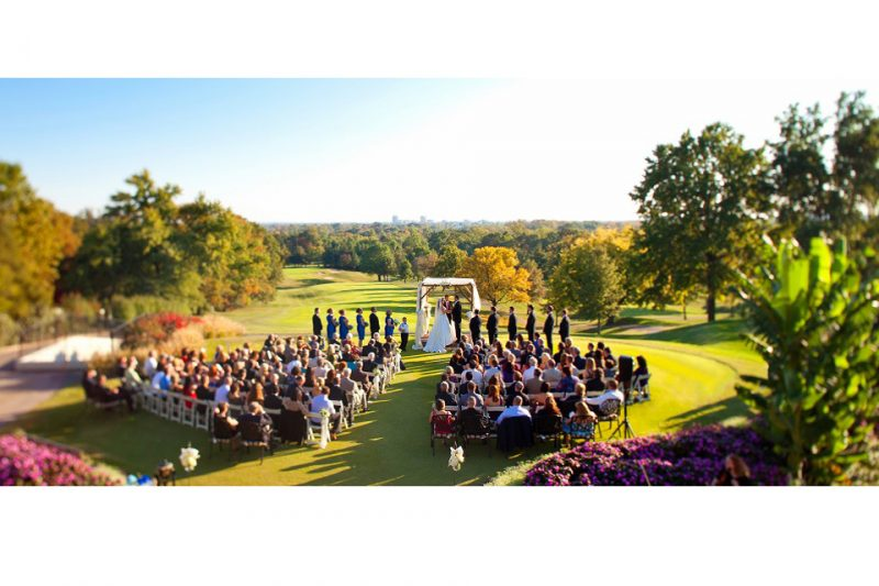 First-Tee-Ceremony-Evansville-Country-Club-Wedding-800x533