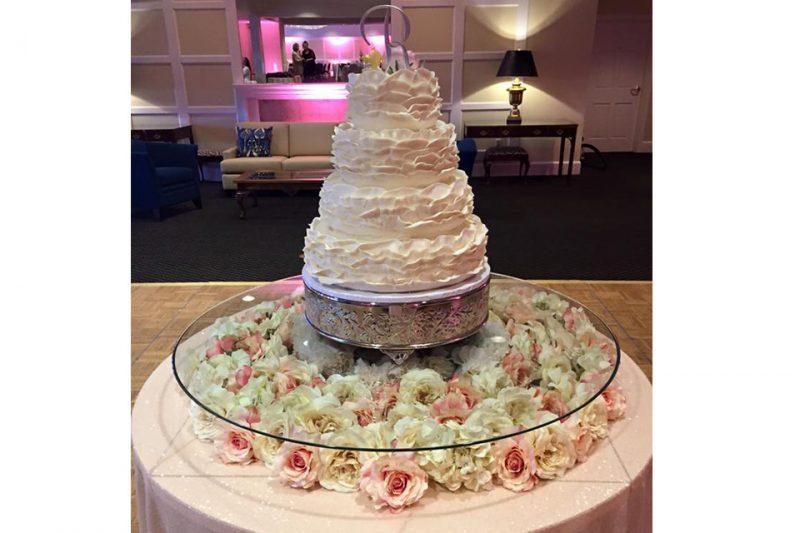 Lane-Wedding-Cake-Evansville-Country-Club-800x533