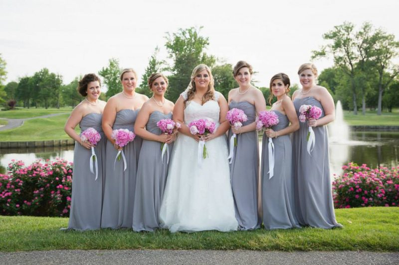 Mitchell-Lake-Bridal-Party-Evansville-Country-Club-800x533