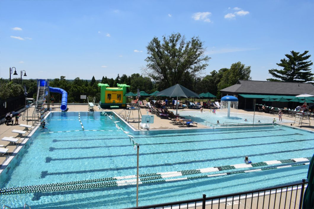 Club-Swimming-Pool-Evansville-1060x706