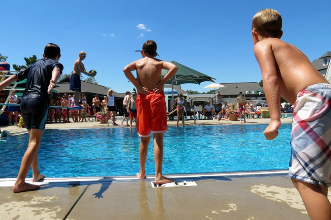 Country-Club-Fun-In-The-Pool-1060x706