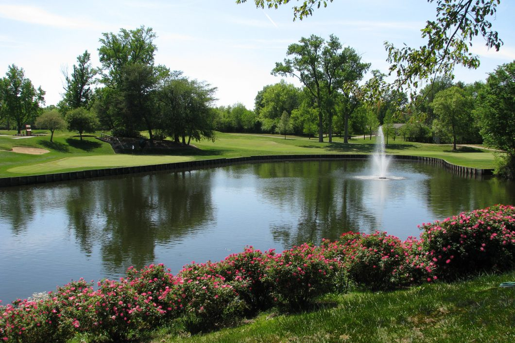 Country-Club-Golf-Water-Feature-1060x706