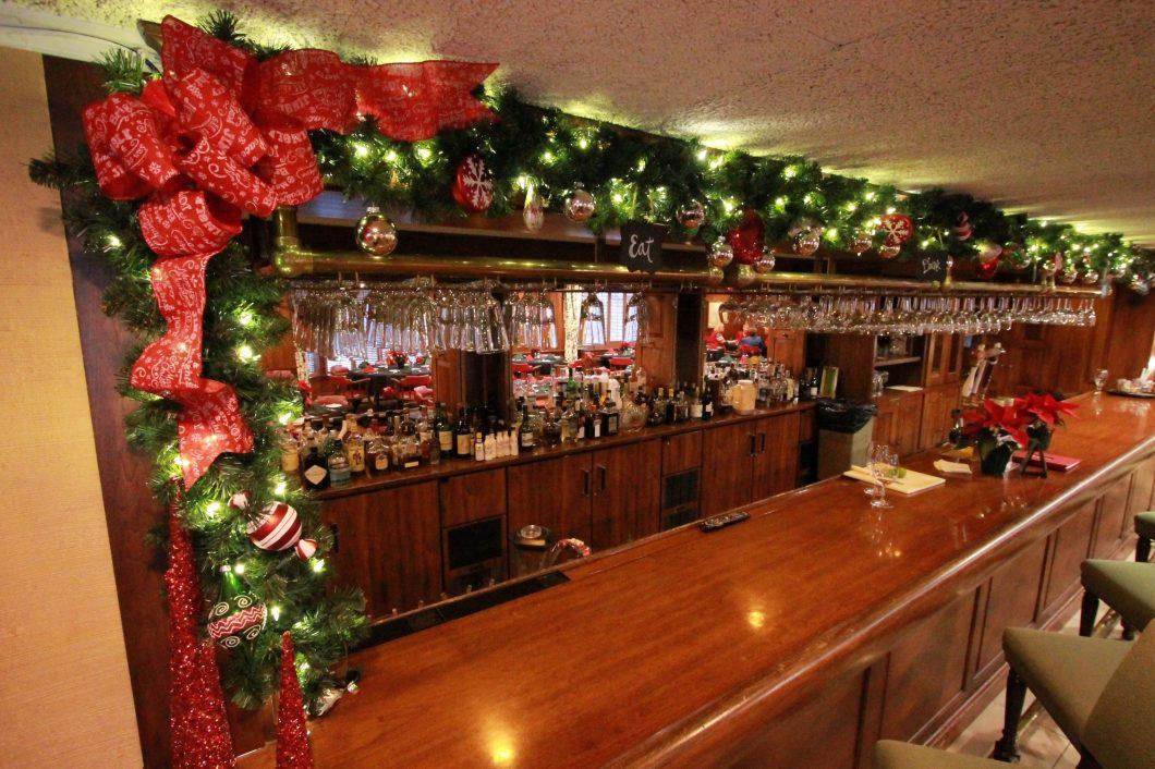 Evansville-Club-Social-Dining-1060x706