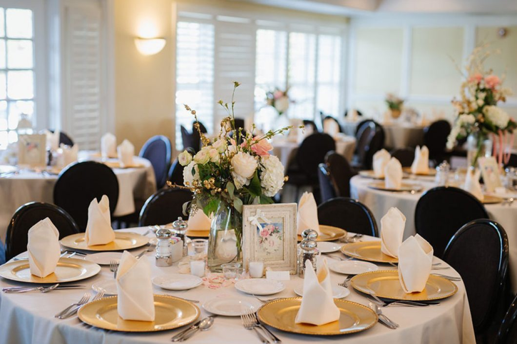 Evansville-Country-Club-Banquets-1060x706