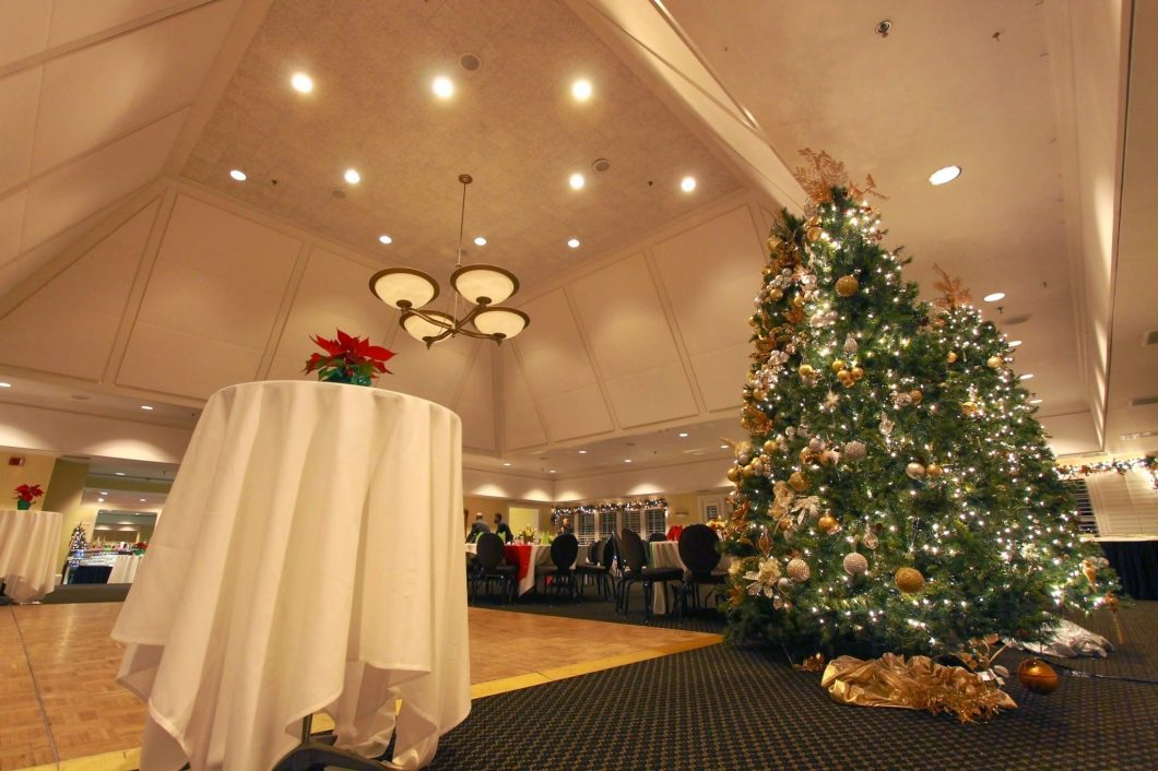 Evansville-Country-Club-X-Mas-Fine-Dining-1060x706