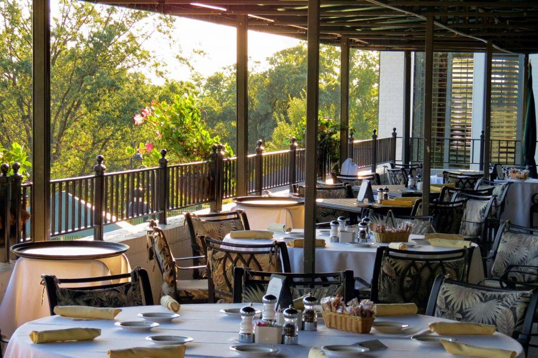 Fine-Dining-Evansville-1060x706