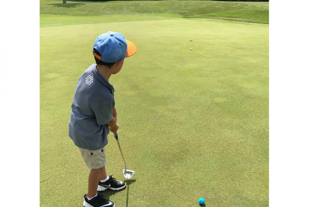 Junior-Golf-Tee-Off-1060x706