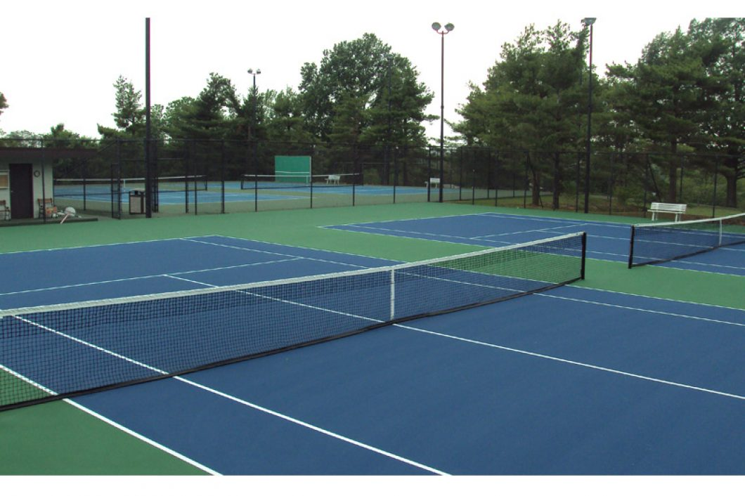 Tennis-Court-Country-Club-Evansville-1060x706
