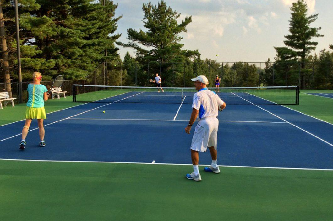 Tennis-Match-1060x706